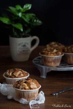 Cupcakes marmorizzati al caffè, due impasti uno chiaro e l'altro scuro che si…
