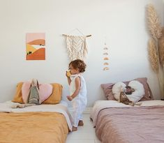 42 Fascinating Shared Kids Room Design Ideas - Planning a kid's bedroom design can be a lot of fun. It can also be a daunting task as you tackle the issue of storage and making things easy to clean. Minimalist Kids, Happy Room, Shared Rooms, Childrens Bedrooms Shared, Shared Bedroom Kids, Modern Kids Bedroom, Big Girl Rooms, Boy Rooms, Kids Rooms Decor