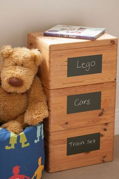 Get organised in the children's bedroom. Label their toy boxes with d-c-fix® chalkboard by making labels. The kids can even help by writing the labels themselves and maybe cutting out different shapes. Life Organization, Organizing, How To Make Labels, Chalkboard Labels, Chalk Markers, Organize Your Life, Train Set, Different Shapes, Toy Boxes