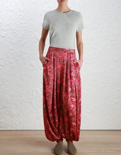 Karmic Track Pant, from our Fall 16 collection, in Paisley Chintz. Harem pant with tucks on waist and cuffed hem. Side seam pockets, invisible zip closure at centre back.