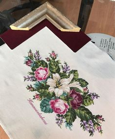 Amazing retro embroidered / tablecloth / 13 x 13 … – Flower İdeas Dmc Cross Stitch, Cross Stitch Borders, Cross Stitch Flowers, Cross Stitch Designs, Cross Stitching, Cross Stitch Patterns, Crochet Doily Diagram, Crochet Doilies, Embroidery Needles