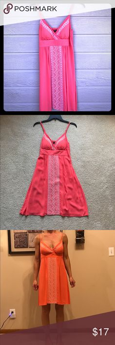 NWOT - Beautiful Coral Pink Dress Excellent Condition- Wore 1 Time - This Dress feels Amazing - Looks Lightweight and Flowy - Has a Padded Chest - Elastic Back Apt. 9 Dresses Midi