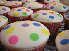Place the butter in a shallow bowl, and set aside. Place the marshmallows in a large microwave-safe bowl, and microwave on High for 30 seconds to 1 minute to start melting Confetti Cupcakes, Kid Cupcakes, Fondant Cupcakes, Cupcake Cakes, Cup Cakes, Children In Need Cupcakes, Easy Fondant Decorations, Fondant Rainbow, Cake Stall