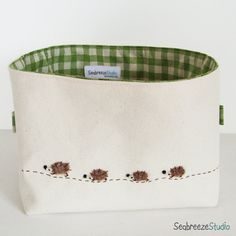 hedgehog family with meadow green lining- lagi cute!