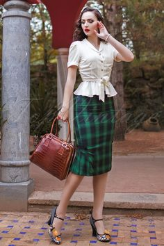 Plaid Pencil Wiggle Skirt in Green
