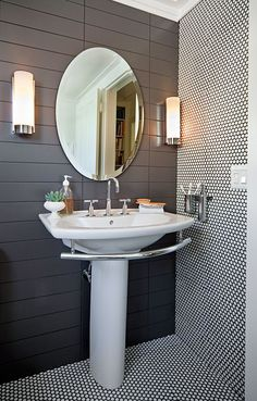 20 Pedestal Sink Backsplash Ideas to Blend Classic and Modern Looks (Home Design etc…) Cleaning Bathroom Tiles, Grey Bathroom Tiles, Bathroom Renos, White Bathroom, Bathroom Interior, Small Bathroom, Penny Tile Bathrooms, Modern Bathroom, Black Bathrooms