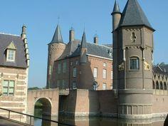 Heeswijk Castle Heeswijk, North Brabant 51°39′21″N 5°26′26″E