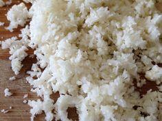 Egg-fried Cauliflower Rice With Cauliflower, Eggs, Olive Oil, Pepper, Salt Rice Recipes, Vegetable Recipes, Cooking Recipes, Healthy Recipes, Healthy Food, Cauli Rice, Cauliflower Fried Rice, Banting Diet, Lchf