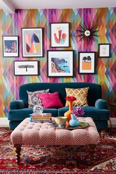 Interior designer Sophie Robinson in her colourful home. Cole and son prism wallpaper, a teal velvet sofa and her mini english bull terrier complete the look. Feeling grateful for 2017 – Sophie Robinson Great Interior Design Challenge, Interior Design Tools, Room Colors, House Colors, Living Room Designs, Living Room Decor, Sophie Robinson, Teal Sofa, Green Sofa