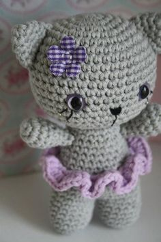 Small cat - free pattern available