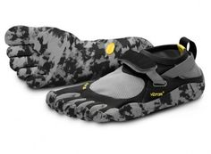 Working Out In Vibram Five Fingers: Kettlebells, Weights, Cardio