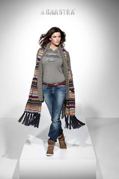 Fashion World: Winter Fashion For Women New Wallpapers Of 2012