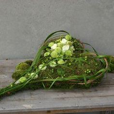 Heart - Grave Work GR24 Happy Flowers, Love Flowers, My Flower, Dried Flowers, Flower Power, Beautiful Flowers, Funeral Flower Arrangements, Funeral Flowers, Floral Arrangements