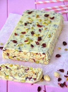 Vanilla Block with Cranberry Pistachio and Nuts Alternative make with White Chocolate Polish Desserts, Polish Recipes, No Bake Desserts, Delicious Desserts, Yummy Food, Sweet Recipes, Cake Recipes, Dessert Recipes, Healthy Sweets