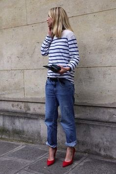Women's White and Navy Horizontal Striped Long Sleeve T-shirt, Blue Ripped Boyfriend Jeans, Black Leather Belt, and Red Leather Pumps