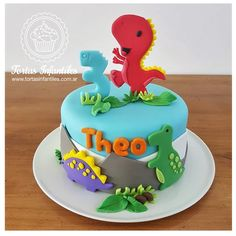 Torta de Dinosaurios_tortasinfantiles.com.ar 3rd Birthday Party For Boy, Dragon Birthday Parties, Girl Birthday Themes, Dinosaur Cakes For Boys, Dinosaur Birthday Cakes, Dino Cake, Celebration Cakes, Cake Decorating, Pasta