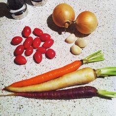 These heirloom veggies are gonna make a yummy garnish. #naturescandy  http://sheilabotelho.com  #heirloomveggies #cleaneating #wellnesscoach #toronto #getlean #vibrantlife