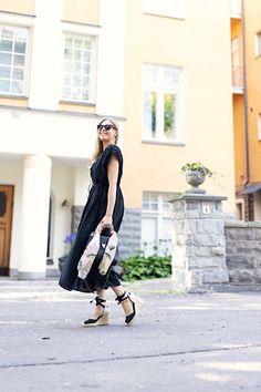 Musta kesämekko ja appelsiineista tehty huivi   pinjasblog Chic, Blog, Style, Fashion, Shabby Chic, Swag, Moda, Elegant, Fashion Styles