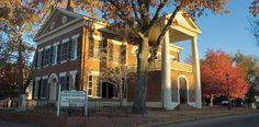 Dahlonega Gold Museum in  Dahlonega, GA, commemorating the first American gold rush