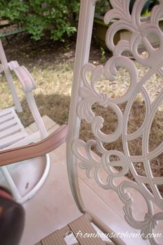 When your patio furniture needs an update, learn how to paint outdoor metal furniture for an easy and cheap way to upgrade your decor. #fromhousetohome #spraypaint #decks #patios #patiosanddecks #paintingtips Painted Outdoor Furniture, Metal Garden Furniture, Deck Furniture, Rustic Furniture, Antique Furniture, Modern Furniture, Industrial Furniture, Furniture Ideas, Metal Patio Chairs