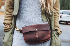 hustle & hide co leather fanny pack (festival fanny) in brown