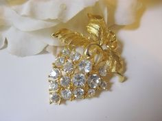 Gorgeous Vintage Rhinestone Grape Cluster Figural Pin
