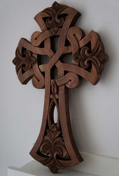 BlessedMart offers Orthodox icons and crosses in old Byzantine, Greek, Russian and Catholic style. Cross Tattoo On Hand, Celtic Cross Tattoos, Celtic Art, Celtic Dragon, Wood Carving Designs, Wood Carving Patterns, Wooden Crosses, Wall Crosses, Altar Design