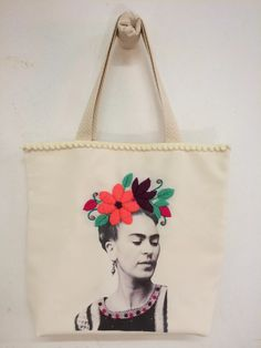 Calendario talleres mayo 2015 Embroidery Purse, Cross Stitch Embroidery, Eco Store, Sewing School, Crochet Pillow, Craft Bags, Simple Bags, Fabric Bags, Cotton Bag