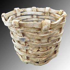 Canastito de cerámica.  #Ceramics #Cerámica #Art #Arte #Manualidades #Handcrafts #Basket #Canasta