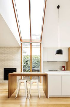Gable House, Sheri Haby Architects, The Local Project, Australian Architecture and Design Skylight Window, Weatherboard House, Gable House, Interior Minimalista, Roof Architecture, Australian Architecture, Ancient Architecture, Sustainable Architecture, Timber House
