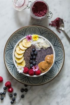 Healthy skin and a delicous smoothie! Sweet potato and Acai smoothie bowl