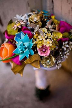 From the bouquet feature, as seen in Westchester/Hudson Valley Weddings 2013 issue: Amanda Heer of Fantasy Floral Designs constructs brooch bouquets . Broach Bouquet, Button Bouquet, Wedding Brooch Bouquets, Bride Bouquets, Flower Brooch, Alternative Bouquet, Bijoux Diy, Flower Arrangements, Wedding Ideas