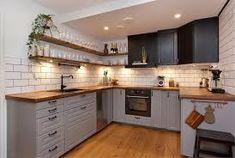 70 veces he visto estas bonitas cocinas nordicas. Grey Cupboards, Kitchen Cabinets, Kitchen Dining, Kitchen Decor, My Ideal Home, Classic Home Decor, Cuisines Design, Small Space Living, Country Kitchen