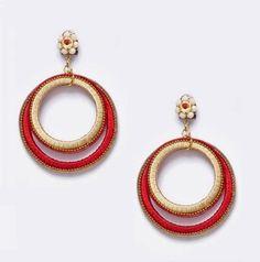 Pendiente flamenco en forma de doble aro en rojo y beige.