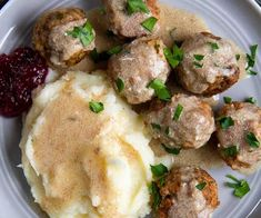 Crockpot Swedish Meatballs -- make this easy slow cooker meatballs recipe for a quick, family-friendly dinner. Everything is made in the crockpot -- even the gravy! Swedish Meatballs Crockpot, Swedish Meatball Recipes, Crock Pot Meatballs, Italian Meatballs, Slow Cooker Recipes, Crockpot Recipes, Cooking Recipes, Healthy Recipes, Easy