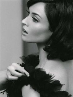 Model and pop singer Sophie Ellis-Bextor, from a photoshoot for Rimmel, United Kingdom, photograph by Rankin. Sophie Ellis Bexter, Retro Photography, Artists And Models, Pop Singers, Dark Hair, Beautiful People, Glamour, Photoshoot, Black And White