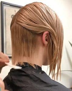 Hair Cutting Videos, Hair Cutting Techniques, Undercut Hairstyles Women, Bob Hairstyles For Fine Hair, Undercut Bob, Trending Hairstyles, Easy Hair Cuts, Short Hair Cuts, Girl Haircuts