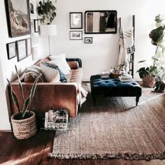 Cool 45 Modern Studio Apartments Design Ideas For Young Couples. More at http://trendecor.co/2018/01/02/45-modern-studio-apartments-design-ideas-young-couples/