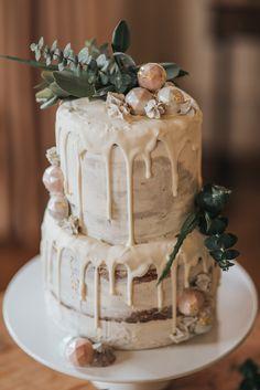 Pantone Colour of the Year : 'Greenery' – A Boho Botanical Inspired Bridal Shoot