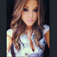 <3 loose waves, highlights, layers, curls, caramel brown, blonde, hair color.