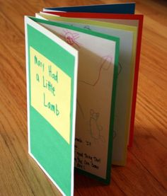Bookmaking-love the idea of retelling a favorite family story and giving as a gift Book Projects, Craft Projects, Projects To Try, Craft Ideas, Up Book, Book Art, Accordian Book, Diy For Kids, Crafts For Kids