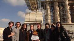 O Υπουργός Πολιτισμού και Αθλητισμού στα γυρίσματα της ταινίας «Πρόμαχος», μπροστά στον Παρθενώνα