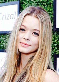 Find images and videos about blonde, blue eyes and pretty little liars on We Heart It - the app to get lost in what you love. Pretty Little Liars Netflix, Pretty Litte Liars, Troin Bellisario, Celebrity Photos, Celebrity Style, Sasha Pieterse, Kristin Kreuk, Amanda, My Hair