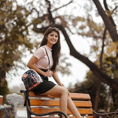 Arishfa Khan Images, TikTok Star Arishfa Khan new Images Stylish Photo Pose, Stylish Girls Photos, Stylish Girl Pic, Teen Girl Poses, Cute Girl Poses, Girl Photo Poses, Cute Small Girl, Cute Girl Pic, Girl Pictures