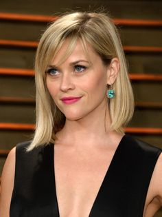 Reese Witherspoon Photos - Actress Reese Witherspoon attends the 2014 Vanity Fair Oscar Party hosted by Graydon Carter on March 2014 in West Hollywood, California. - Stars at the Vanity Fair Oscar Party Cut My Hair, New Hair, Hair Cuts, Side Bangs Hairstyles, Hairstyles With Bangs, Bangs Updo, Reese Witherspoon Hairstyles, Fine Hair Bangs, Women Short Hair
