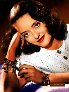Net Image: Bette Davis: Photo ID: . Picture of Bette Davis - Latest Bette Davis Photo. Old Hollywood Glamour, Golden Age Of Hollywood, Vintage Hollywood, Hollywood Stars, Classic Hollywood, Hollywood Icons, Old Hollywood Actresses, Hollywood Divas, Classic Actresses