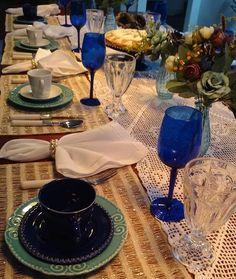 Detalhes que me encantam!!! #meseirasassumidas #mesalinda #my #mesaposta #meseirasdobrasil #beauty #glam #coffe #cafe #nature #beautiful #instagood #style #decor #photooftheday #design #decoration #decoracao #table #tablesetting #receberbem #receita #cozy #flowers #instafollow by caprichosdacarlaribeiro http://ift.tt/1XCZBSy