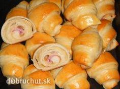 Osemvrstvové croissanty so šunkou (fotorecept) Russian Recipes, Bon Appetit, Hot Dog Buns, Bread Recipes, Sushi, Food And Drink, Appetizers, Pizza, Favorite Recipes