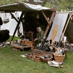 Get The Best From Your Outdoor Camping Equipment - family camping site Viking Tent, Viking Camp, Vikings Live, Norse Vikings, Medieval Market, Medieval Town, Medieval Party, Larp, Viking Party