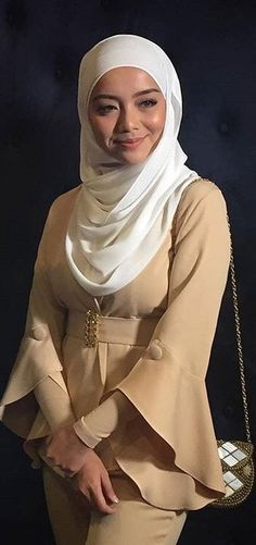 Hijab Fashionista, Beautiful Muslim Women, Beautiful Hijab, Modern Hijab Fashion, Hijab Chic, Ootd Hijab, Muslim Beauty, Islamic Girl, Turkish Fashion